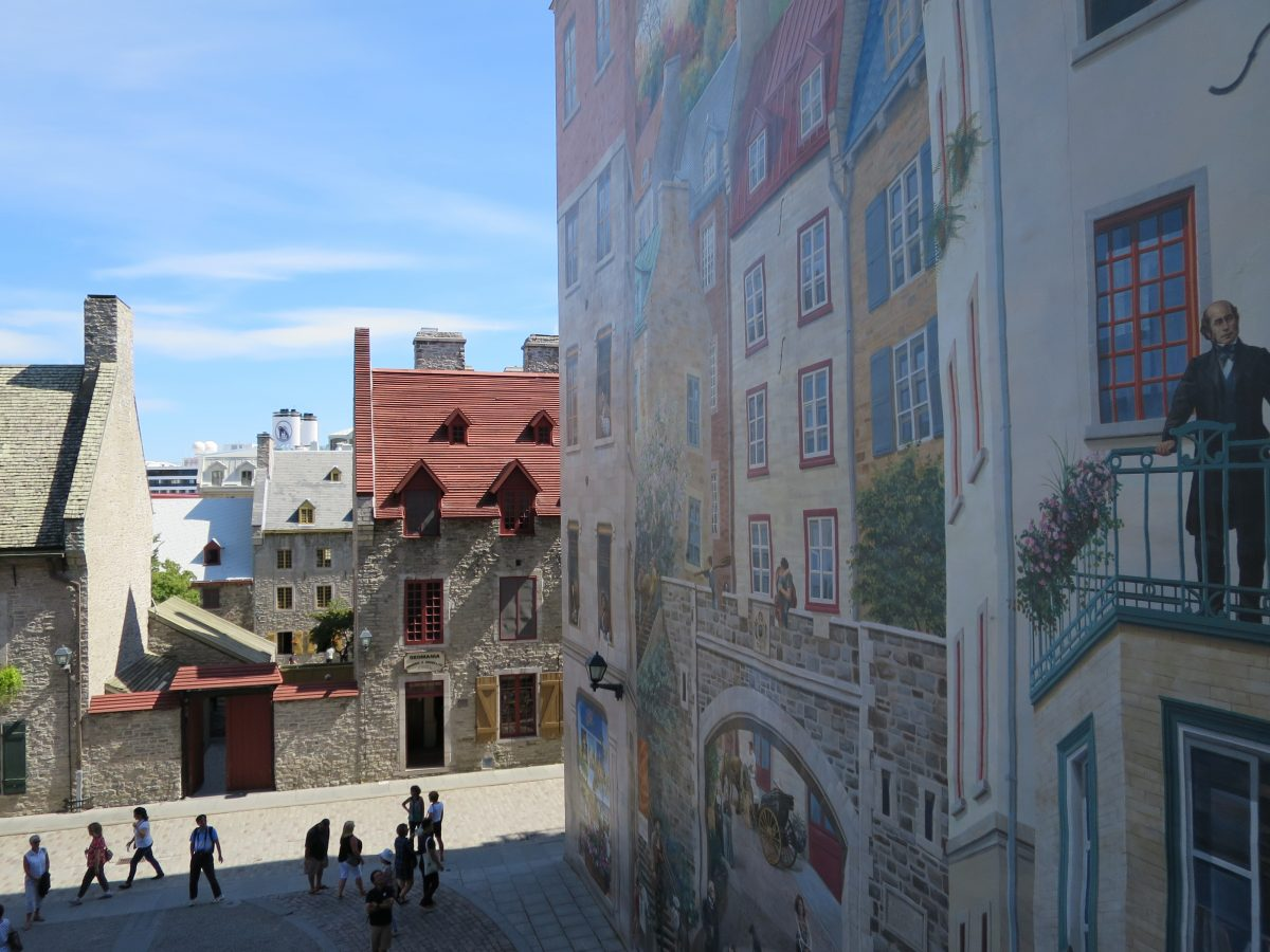 Mural and Tourists